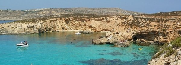 accommodation Sights island Comino Tourism